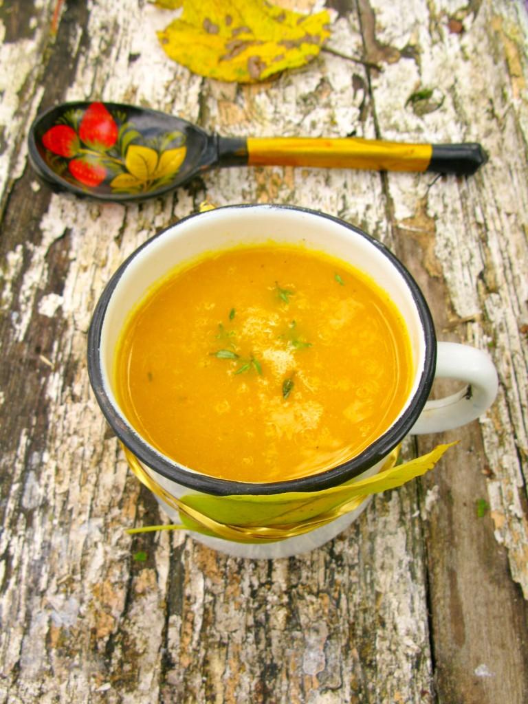 Auksine morku sriuba su medumi
